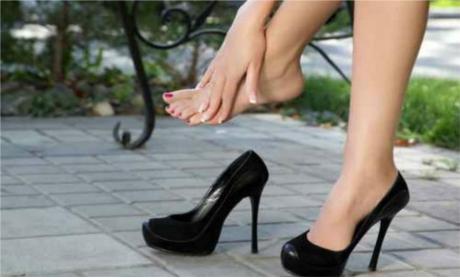painful_high_heels_vera7388_fotolia_large