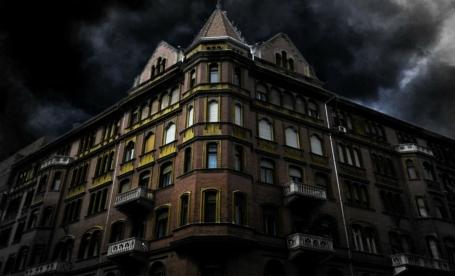 haunted-house-corner-200065_1280