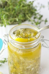 Whole-Lemon-Thyme-Salad-Dressing-3