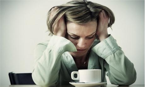 De ce femeile ar trebui să bea mai puţină cafea