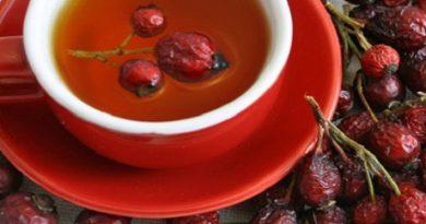 rosehip-tea-against-autumn-colds